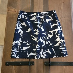 Ann Taylor Factory Floral Navy Blue Skirt size 10